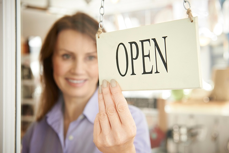 FranchiseOpenSign_ThinkstockPhotos-468887920_EDIT.jpg
